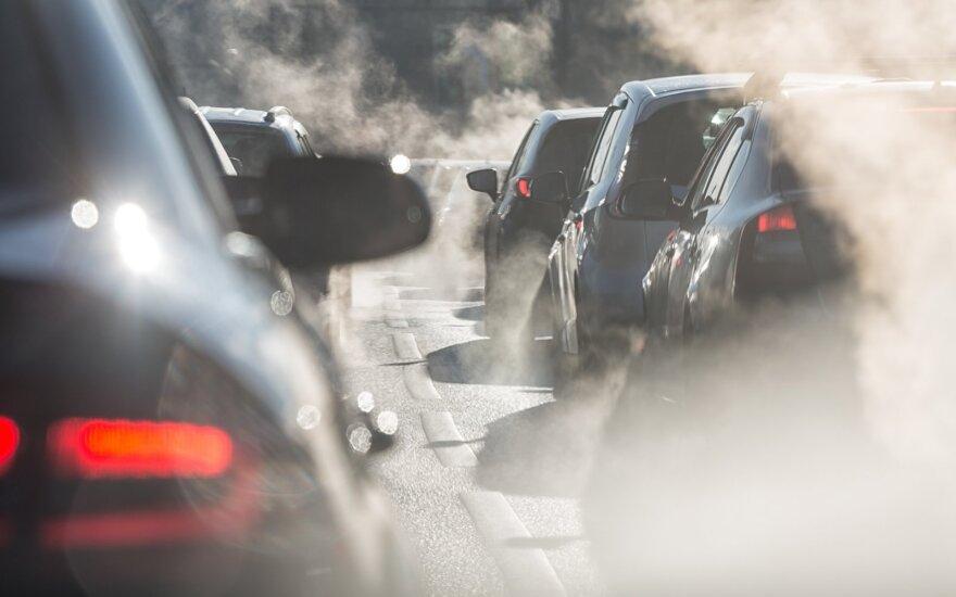 Aplinkosaugininkai tikrins automobilių taršumą