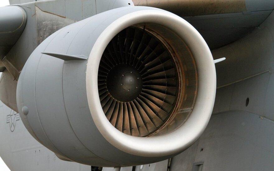 """""""AviaAM Leasing"""" įsigijo 8 orlaivius """"Bombardier CRJ200"""""""