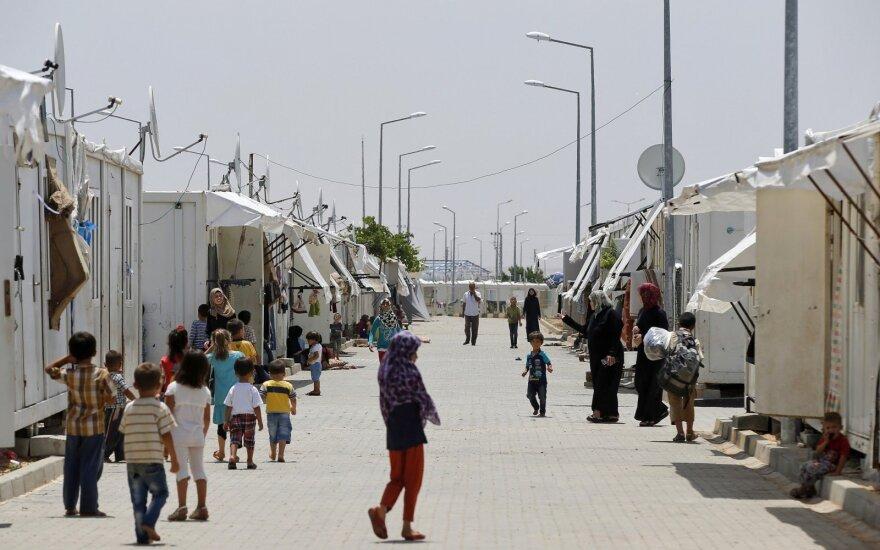 Graikijos ir Turkijos sausumos sieną per dvi dienas kirto šimtai pabėgėlių ir migrantų