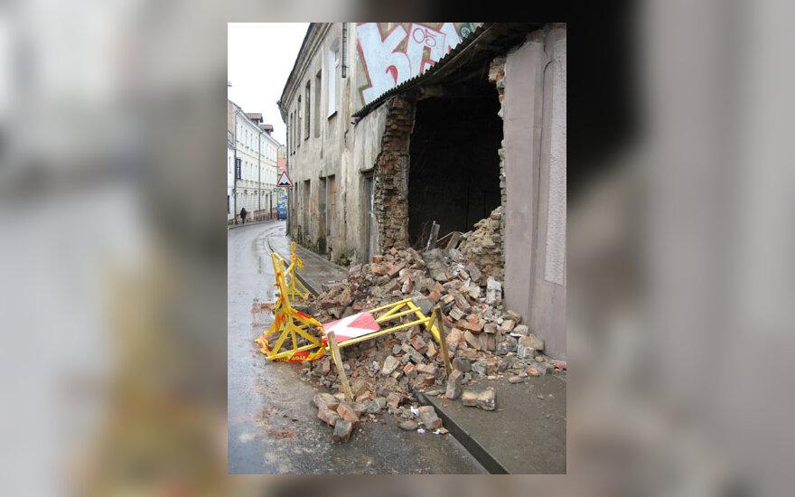 Išgriuvusi siena Vilniaus senamiestyje