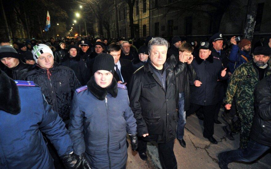 Porošenka atšaukė draudimą Ukrainoje lankytis Rusijos žmogaus teisių kontrolierei