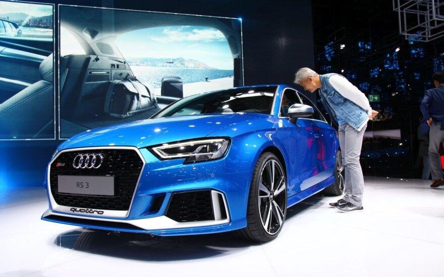 """""""Audi RS3 quattro sedanas"""""""