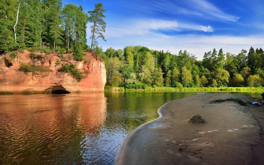 Gražiausios poilsio vietos Latvijoje, kurias supa įspūdingi vaizdai