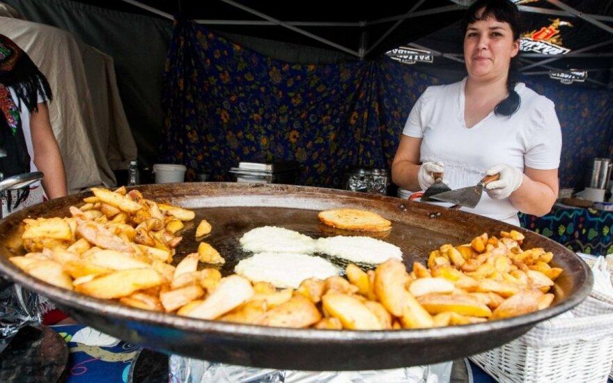 Valgydami miesto šventėje, viena akimi stebėkite maisto pardavėjus