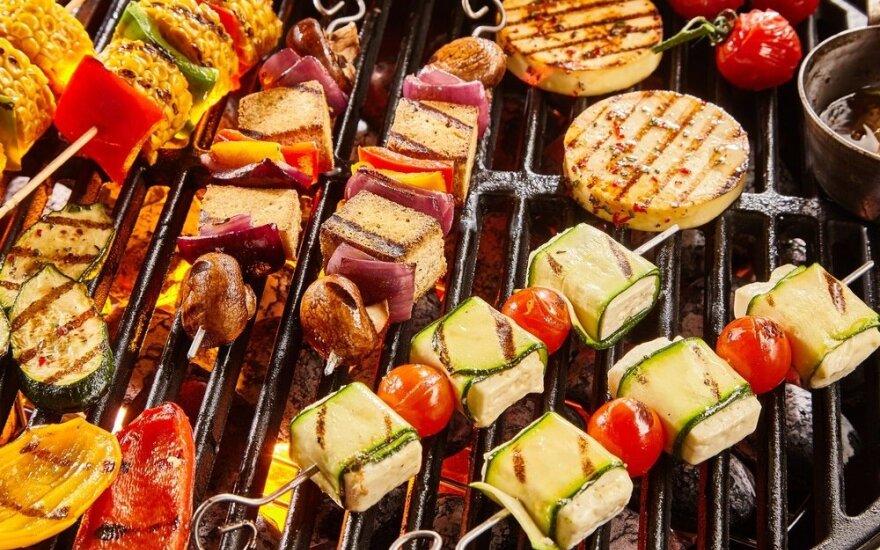 Skanūs ir sveikesni grilio patiekalai: išmėginkite!