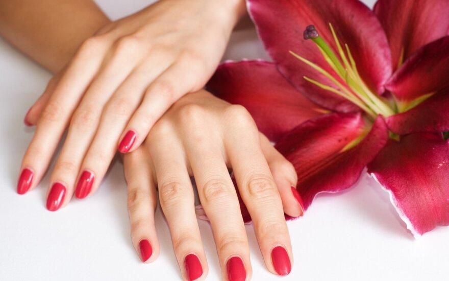 3 rankų priežiūros žingsniai, saugantys odą per šalčius