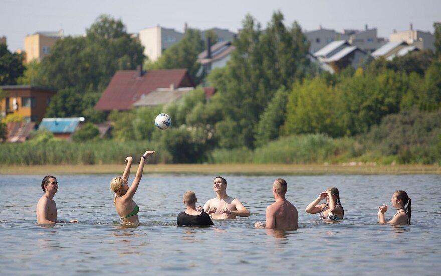 Dar kartą patikrino vandens telkinius: maudytis pataria ne visuose