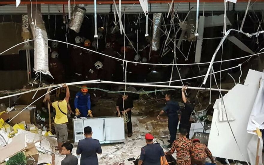 Malaizijoje per sprogimą prekybos centre žuvo trys žmonės
