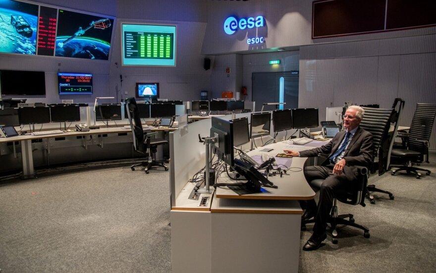 Europos kosmoso agenturoje (ESA) profesorius Paolo Ferri