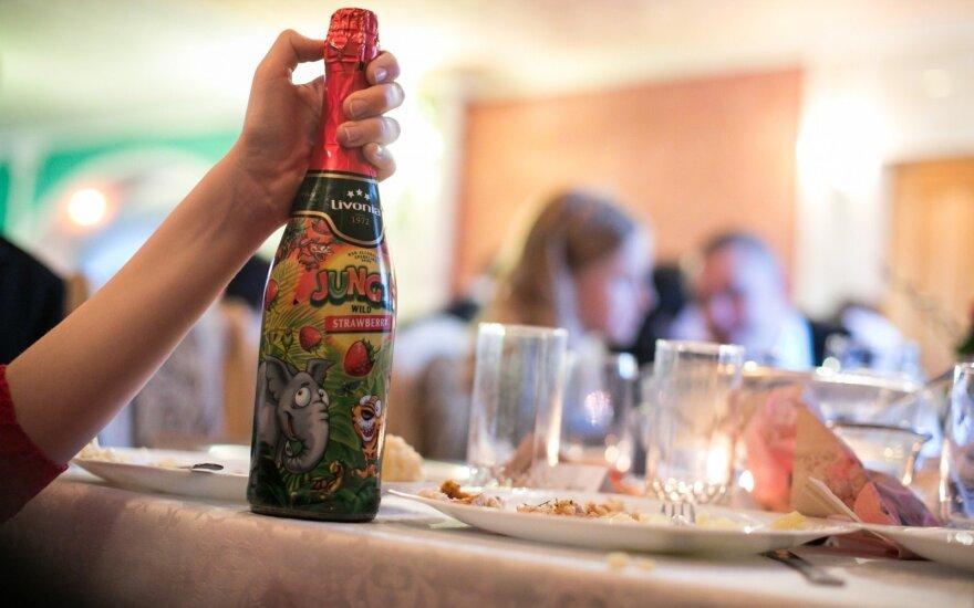 Ūkio ministerija – prieš draudimą gaminti vaikišką šampaną