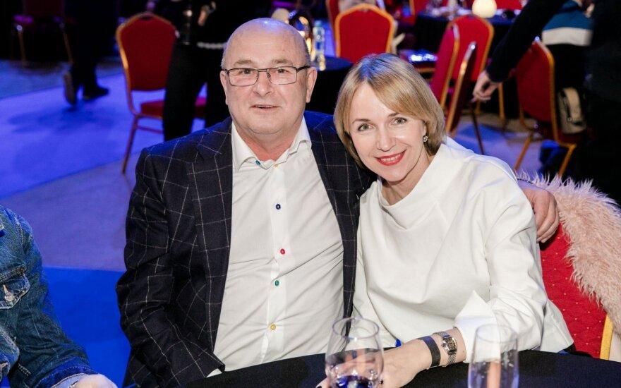 Visvaldas Matijošaitis su drauge Loreta Stonkiene