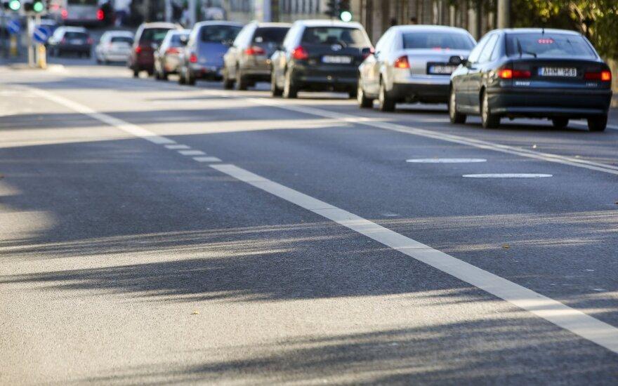 Tyrimas: kas vairuotojams kelia teigiamas emocijas?