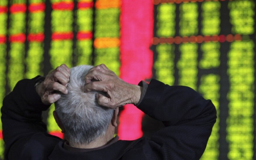 Kinijos eksporto apimtys mažėja trečią mėnesį iš eilės