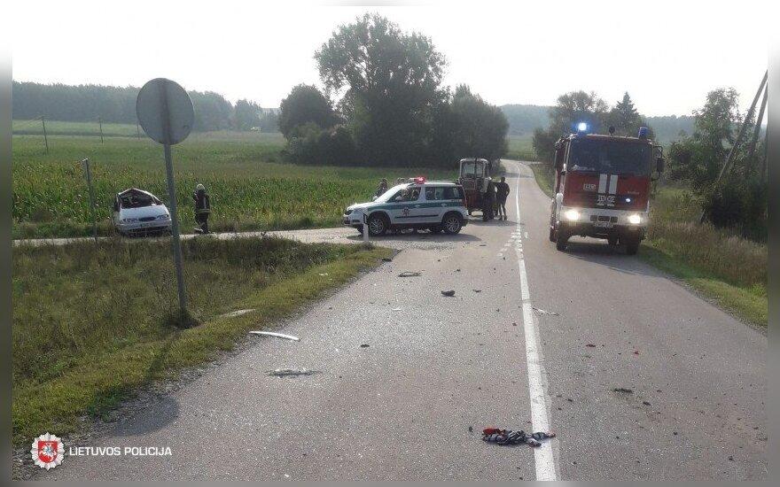Tragiška apsivertusio automobilio istorijos baigtis: ligoninėje mirė aštuonmetis