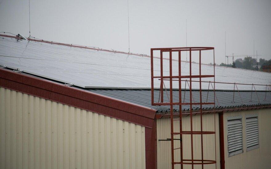 Ant stogo sumontuoti saulės kolektoriai