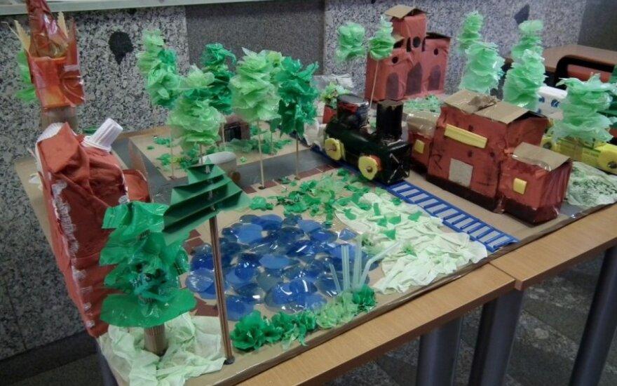 Lentvario vaikai kūrė miestą iš atliekų