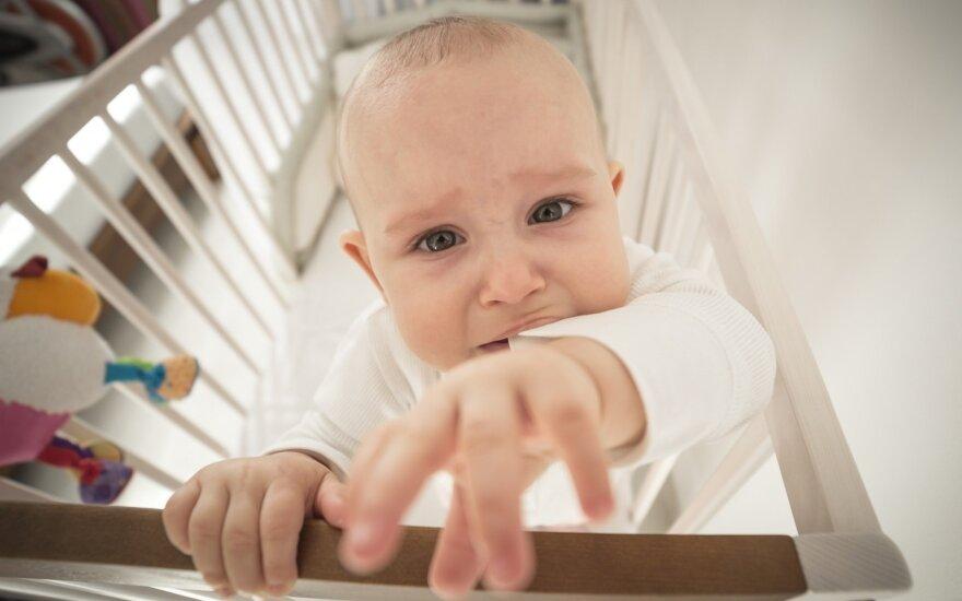 Laiškas stotyje kūdikį palikusiai mamai: sugrįžk, aš tavęs tebelaukiu