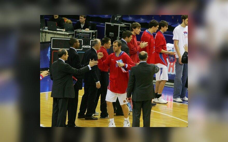 Ramūnas Šiškauskas ir CSKA krepšininkai prieš mačą