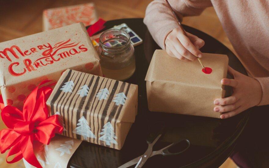 Atvirukų kūrėja: Kalėdos – kai į dovanų popierių bandai suvynioti meilę