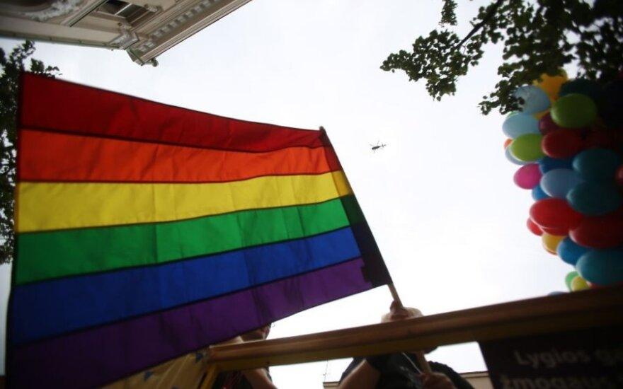 Italijos teismas pasisakė už homoseksualų santuokas