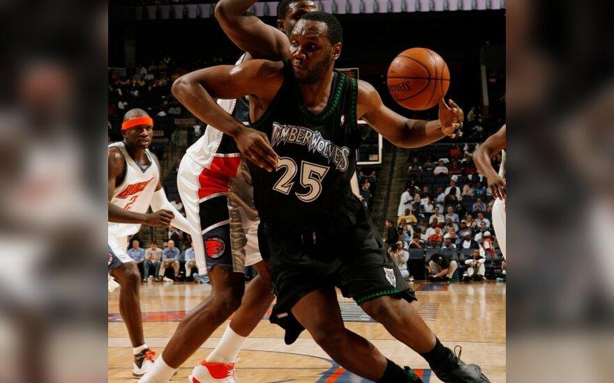 NBA žaidėjus guldo traumos