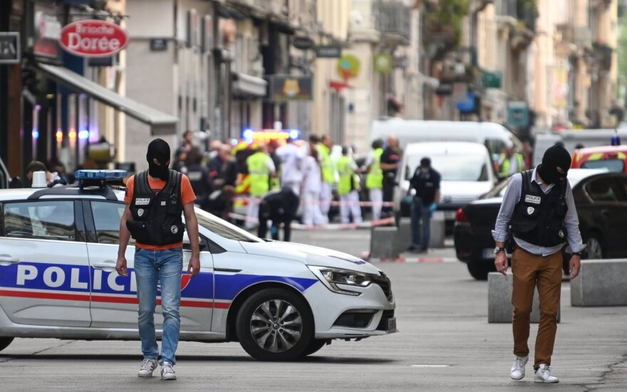 """Bombos susprogdinimu Lione įtariamas alžyrietis prisiekė ištikimybę """"Islamo valstybei"""""""