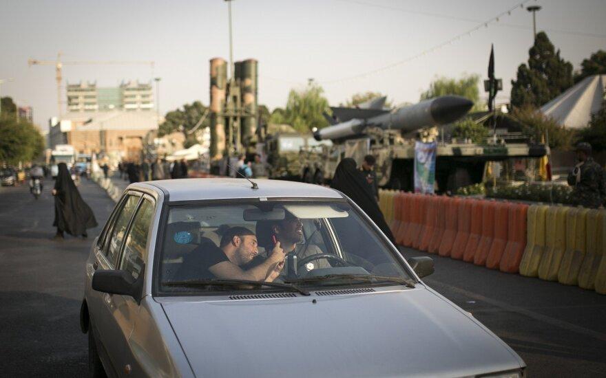 """TTT: JAV privalo panaikinti """"humanitarines"""" sankcijas Iranui"""