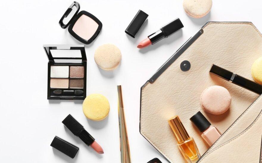 Kokias kosmetikos priemonės būtina pasiimti į lagaminą