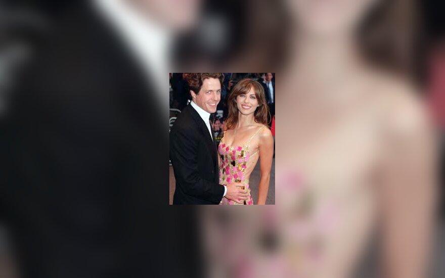 Liz Hurley ir Hugh Grant
