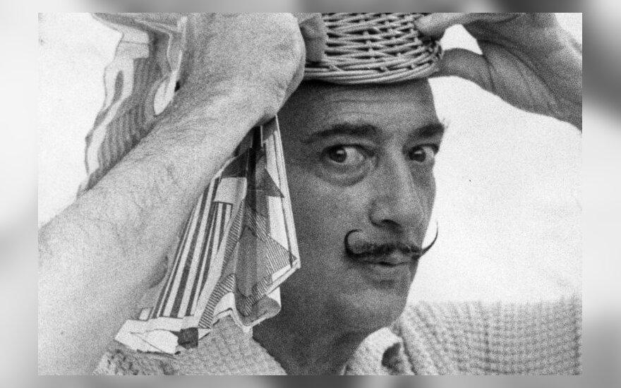 Salvadoras Dali 1958 m. Cadaques, prie Barselonos