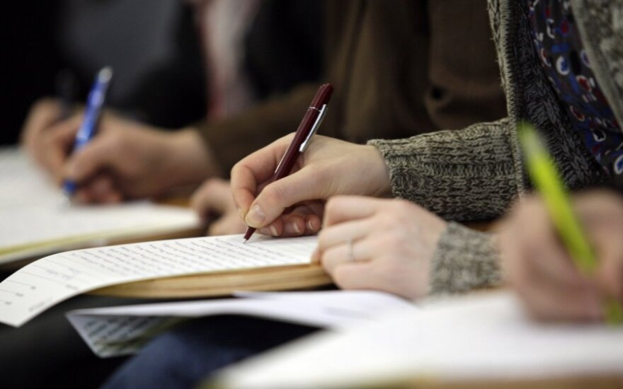 Kodėl mokiniai nebesugeba gražiai rašyti