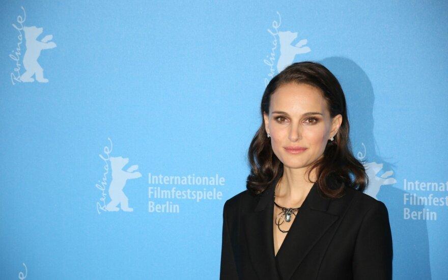 Būties premiją pelniusi aktorė Portman įteikimo ceremonijoje nedalyvaus dėl Netanyahu