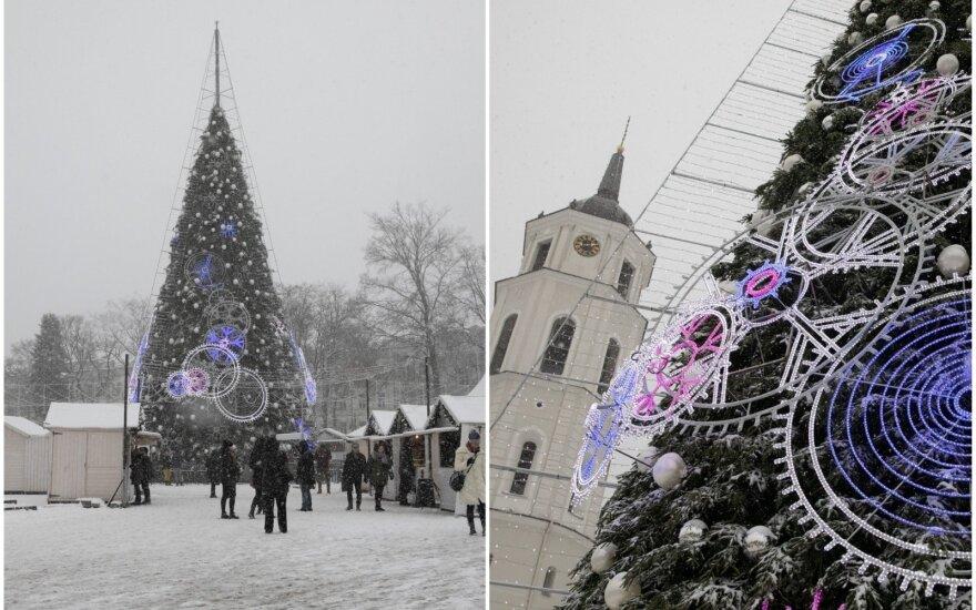 Sniegas Kalėdų miestelyje