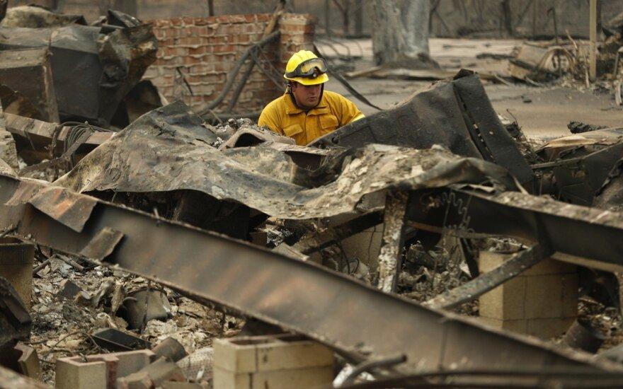 Kalifornijos gaisras iš esmės suvaldytas, žuvusiųjų skaičius padidėjo iki 84