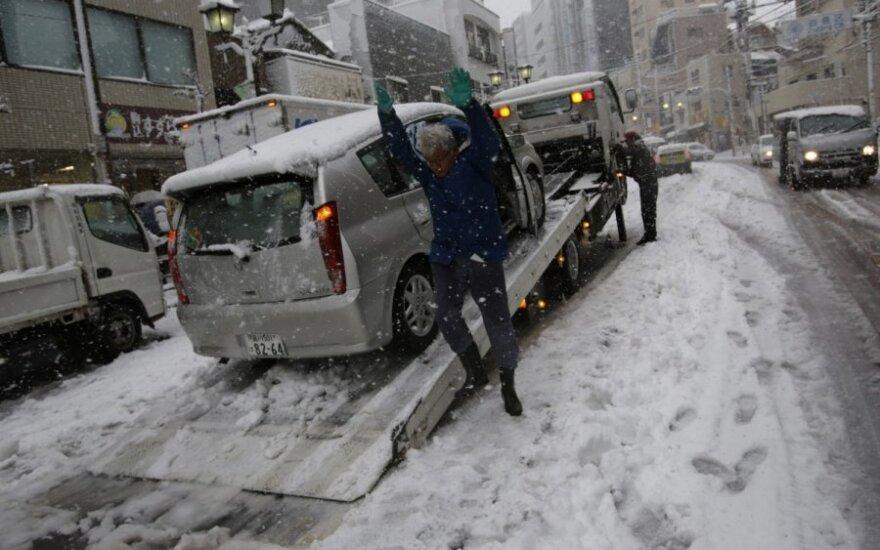 Japonijoje iškrito gausus sniegas