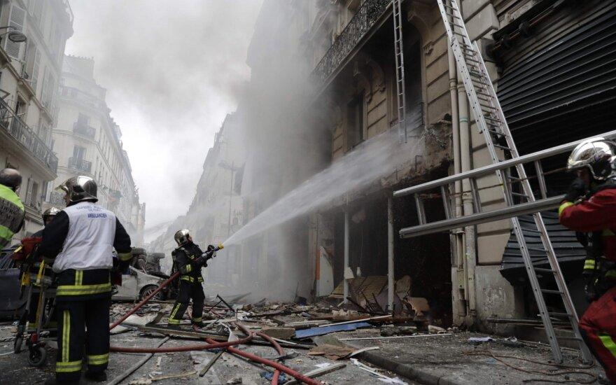 Galingas sprogimas Paryžiaus centre: nuniokoti pastatai ir 36 sužeistieji, 2 ugniagesiai žuvo