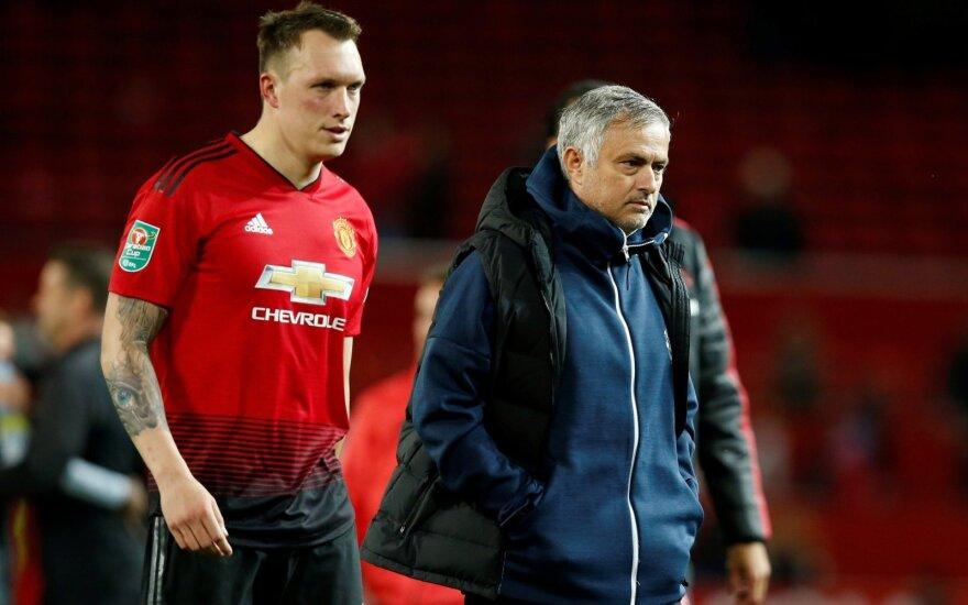"""Naujas Mourinho fiasko: """"Man United"""" namuose krito prieš antros lygos klubą"""