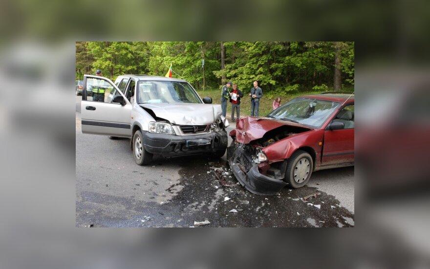 Draudikai įvardijo dažniausiai po eismo įvykio daromas klaidas