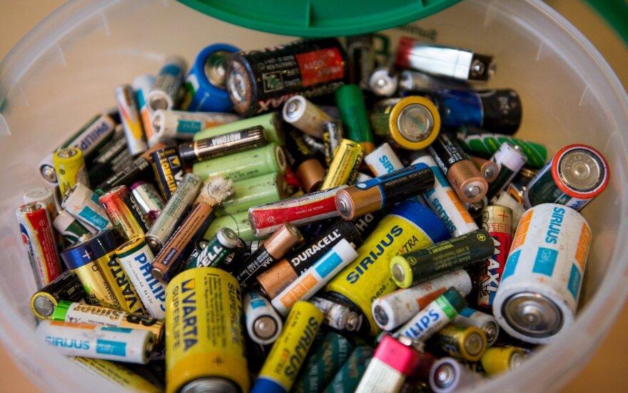 Perdirbimui surinktos baterijos