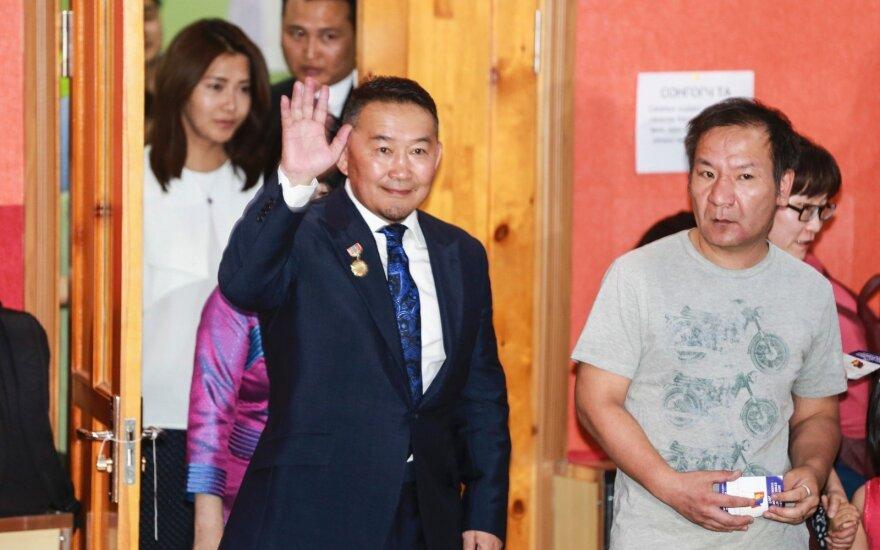 Mongolijos prezidento rinkimuose reikės antrojo turo