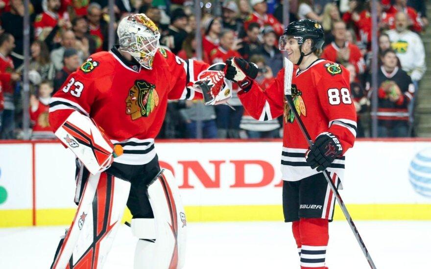 """NHL čempionai """"Blackhawks"""" gerina savo pozicijas"""