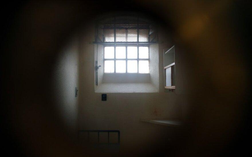 Lietuvoje iki gyvos galvos kali daugiau kaip 100 žmonių, kriminologai siūlo svarstyti lygtinį paleidimą