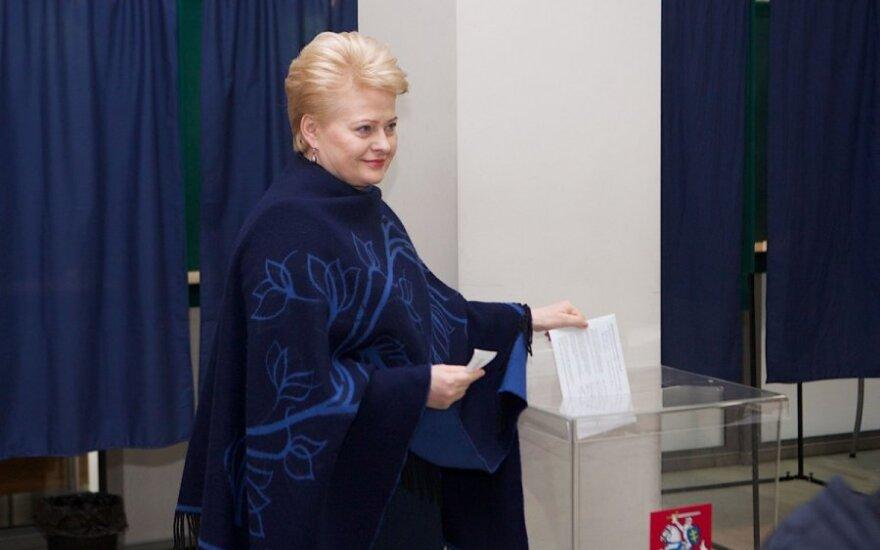 Balsuoja Dalia Grybauskaitė
