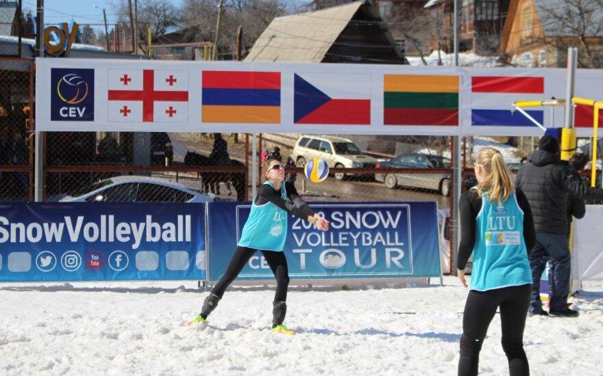 Urtė Andriukaitytė ir Irina Zobnina, sniego tinklinis (CEV nuotr.)