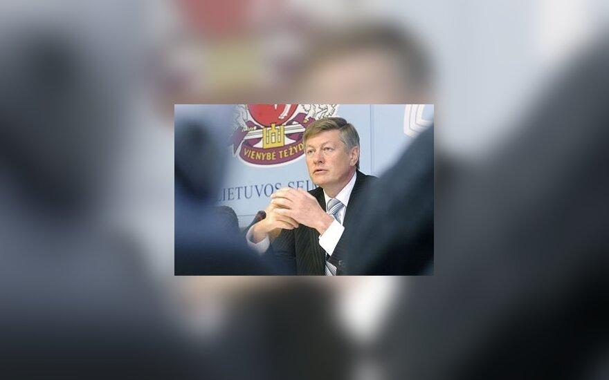 Naujosios sąjungos vadovu išrinktas A.Paulauskas