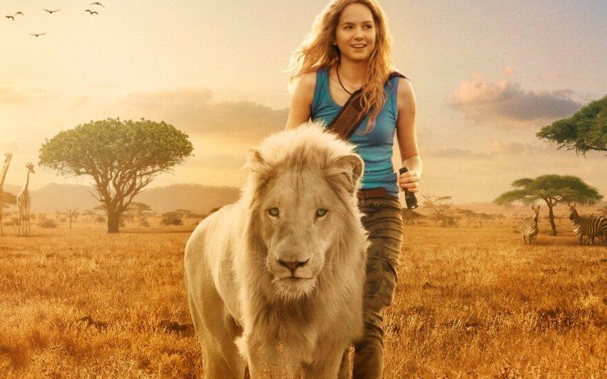"""Kadras iš filmo """"Mija ir baltasis liūtas"""""""
