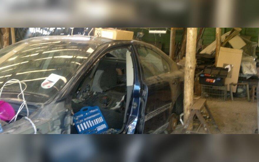 Nelegaliai ardomi automobiliai