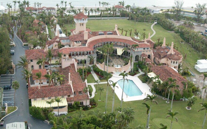 Trumpas savo nuolatinę gyvenamąją vietą perkels į Floridą