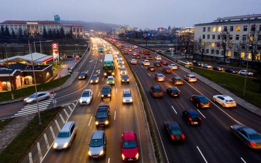 """Greičio skirtumai mieste: kodėl lėkti arba """"temptis"""" yra taip pat blogai?"""