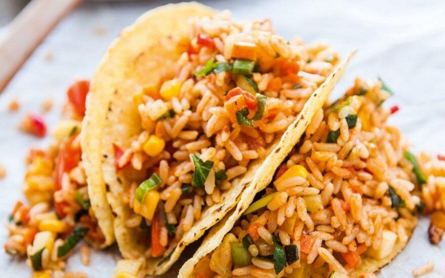 Kukurūziniai paplotėliai su ryžių ir daržovių įdaru